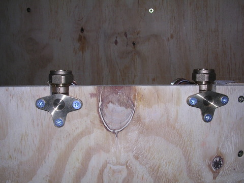 Bar shower valve stud 02.jpg