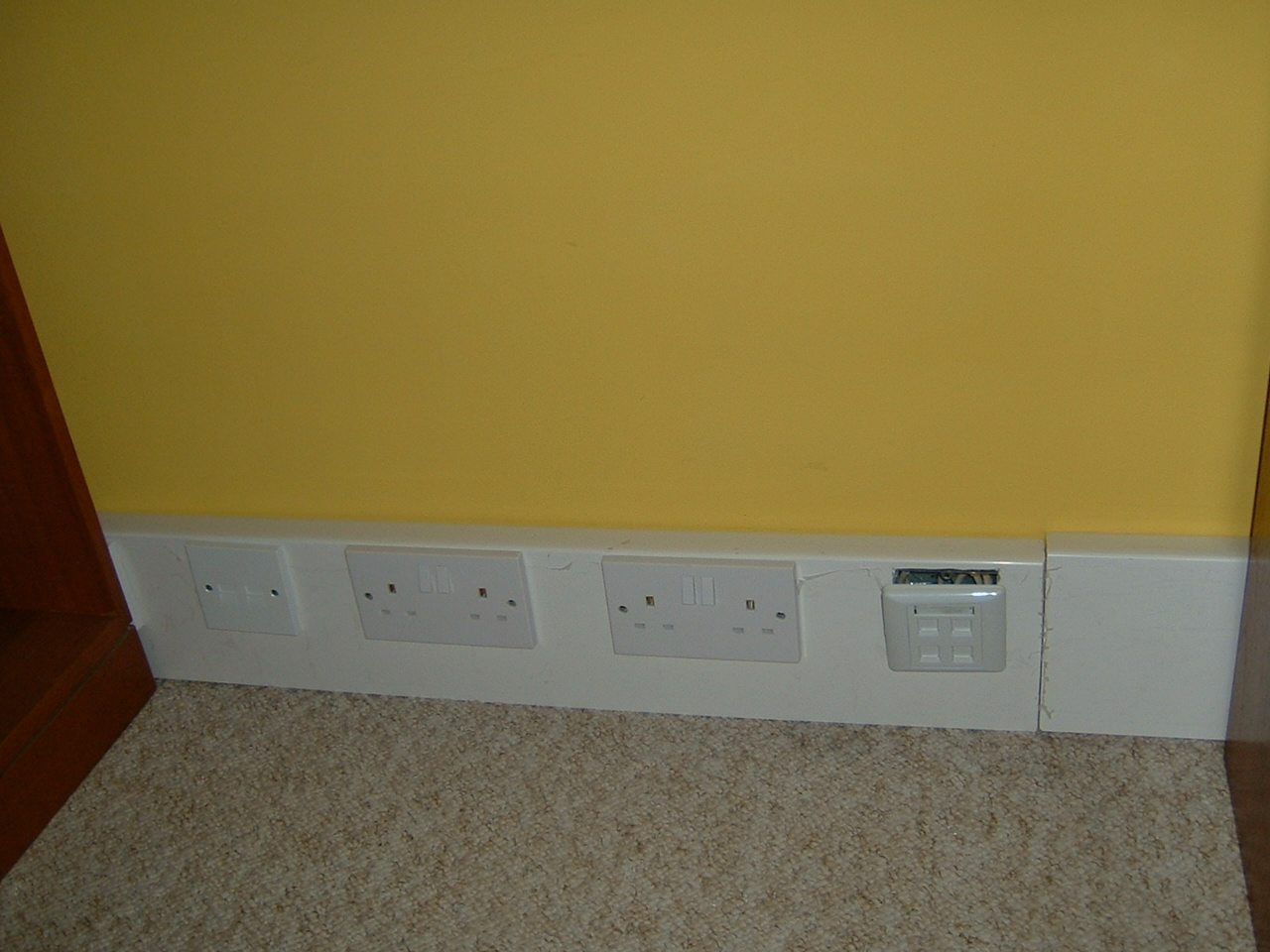 Skirting Trunking Power, Data and Phone.JPG