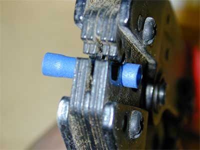 Crimp in the jaws of the crimp tool
